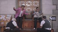 watch Uptown Funk (feat. Bruno Mars) music video